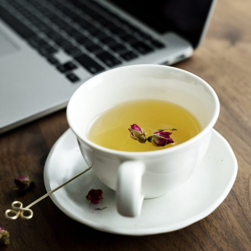 Wondering what is a herbal tea? They can either nourish, detoxify, strengthen, revitalise, stimulate or relax & help with most health conditions we see today.